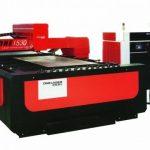 Máy cắt laser là gì? ứng dụng trong thi công biển quảng cáo
